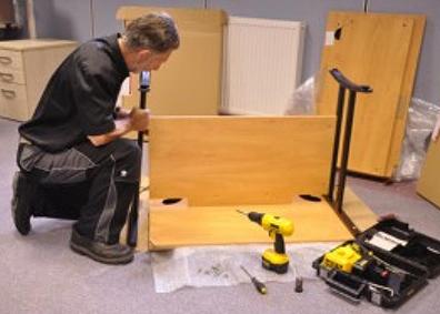Assemblage meubles de bureau